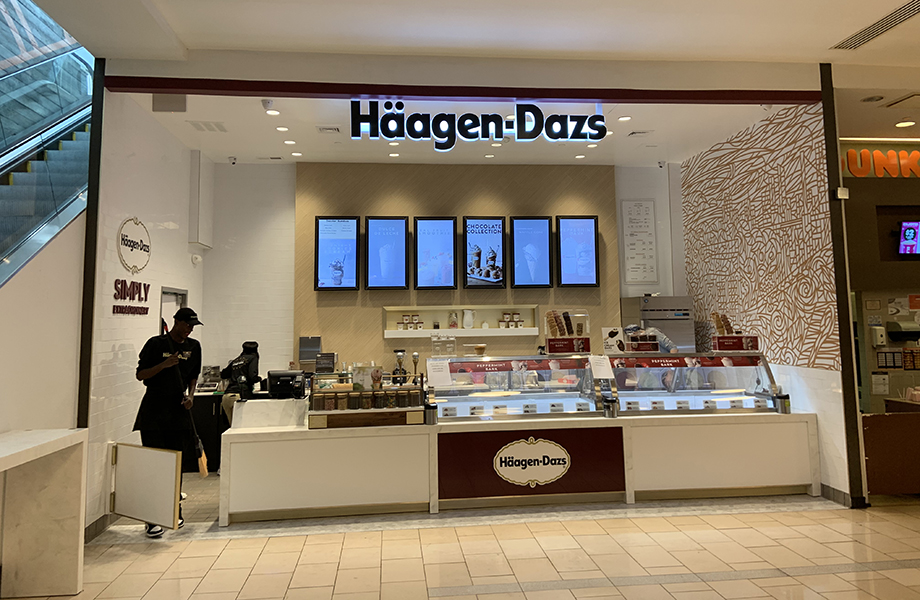 Haagen Dazs main counter